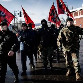 "2000 protestors march in Kiev to the ""Memorial To Kruty Heroes"""