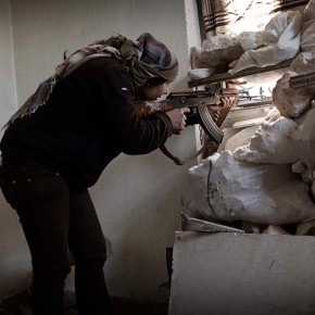 Dagens Nyheter publishes photo reportage on Kurdish front in Syria.
